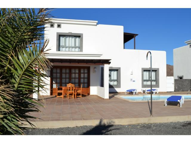 Luxury 3 Bed Detached Villa with Excellent Sea Views Heated Pool Wifi